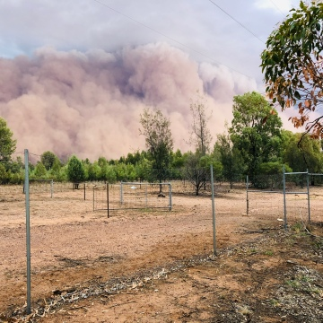 Dust storms continue to roll across Dubbo (summer 2020)